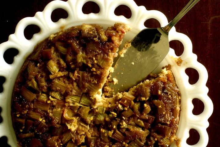 Rhubarb and Oatmeal Downside-up Cake