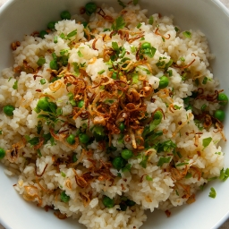Peas and Rice with Crispy Shallots