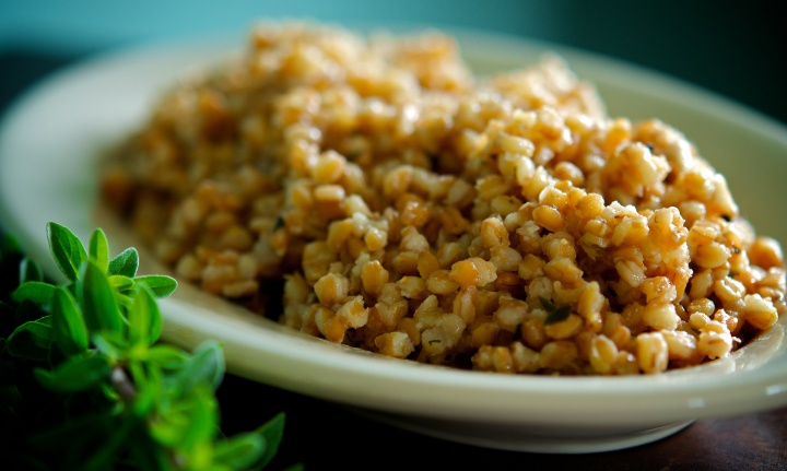 Farro and Roasted Garlic Pilaf