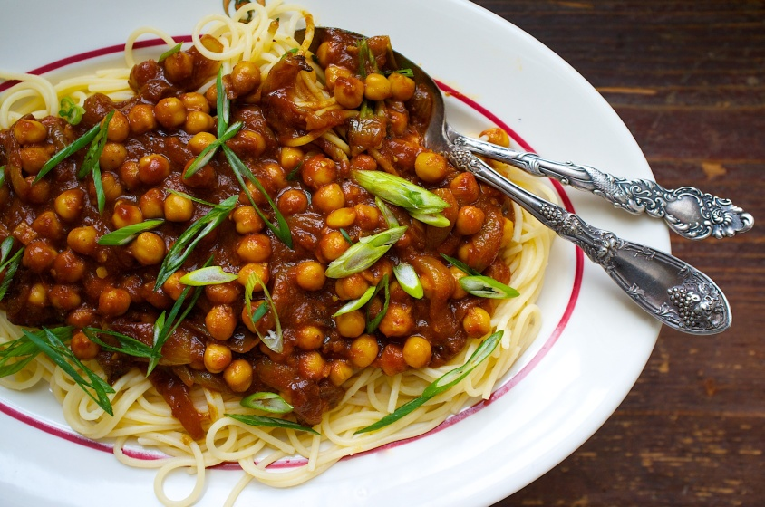 Spicy Chickpeas with Sour Tomato Curry
