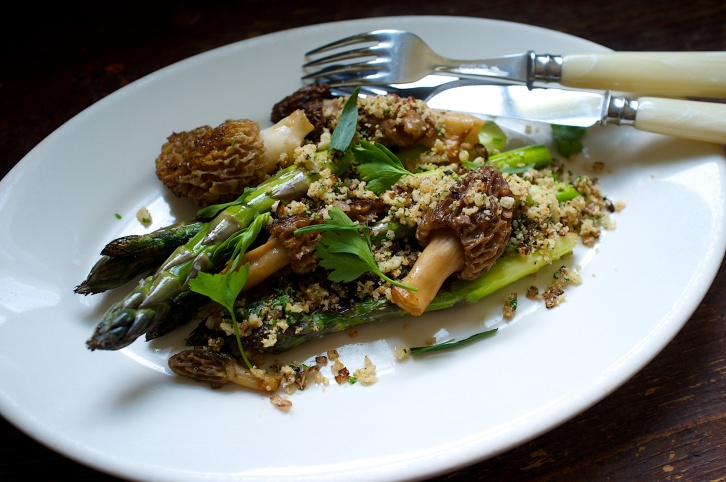 Morels with Asparagus